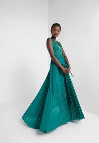 Elisabetta Franchi - Occasion wear - smeraldo - 1