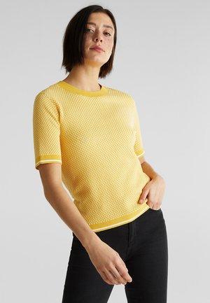 MIT LENZING™ ECOVERO™ - T-shirts print - yellow
