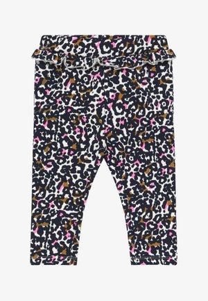 NBFTIVE PANT BRU BOX - Trousers - snow white