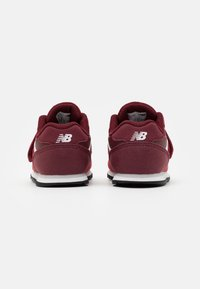 New Balance - IV393TRD UNISEX - Sneakers basse - classic red - 2