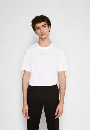 DURNED 214 - Basic T-shirt - white