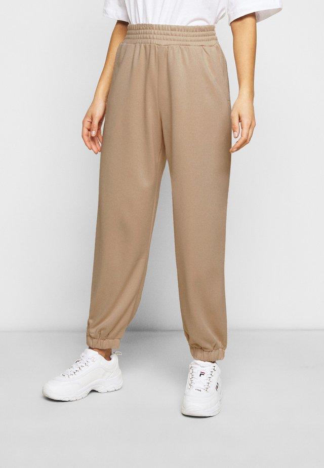 BERGAMOT PANT - Pantalon de survêtement - unbleached