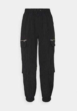 ONLELIZABETH TRACK PANT - Tracksuit bottoms - black