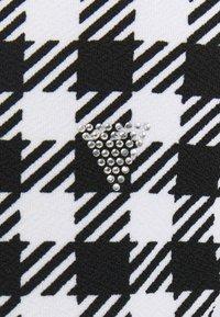 Guess - HADIL - Bluzka z długim rękawem - black/white - 2