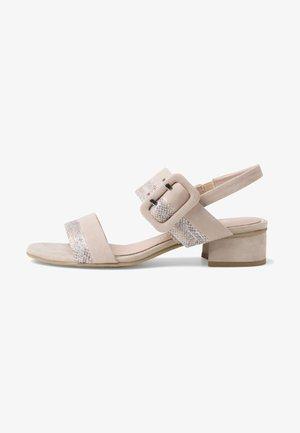 Sandals - dune comb 435
