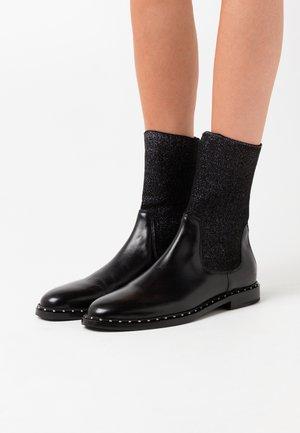 SUASAN  - Kotníkové boty - black