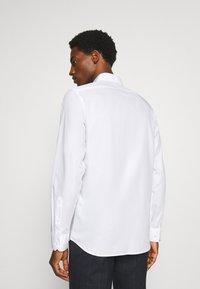 Jack & Jones PREMIUM - JPRBLAROYAL - Formal shirt - white - 2