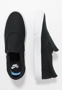 Nike SB - CHARGE - Slip-ons - black/white - 2
