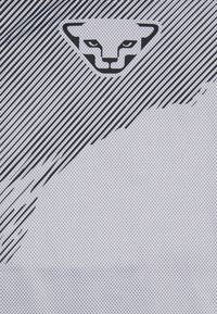 Dynafit - DNA TEE - Print T-shirt - nimbus - 2