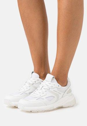 BROOKLYN RUNNER - Sneakers laag - white