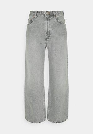 KIRI  - Flared jeans - light grey
