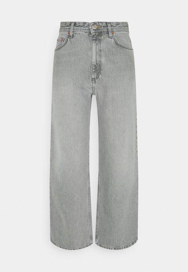 KIRI  - Široké džíny - light grey