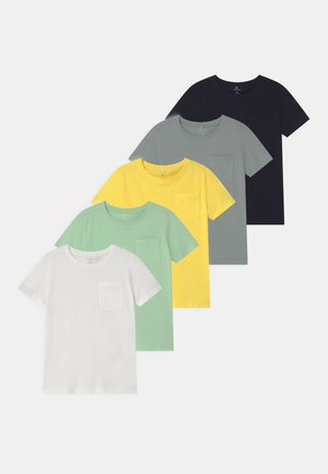 NMMSAZU 5 PACK - Basic T-shirt - pastel green