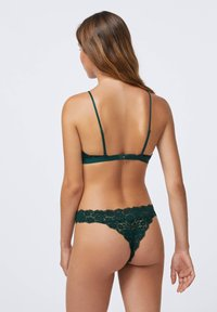 OYSHO - COMFORT - Triangle bra - evergreen