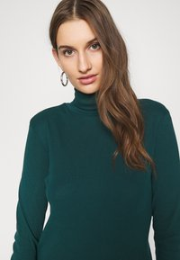 Benetton - TURTLE NECK - Long sleeved top - forrest green - 4