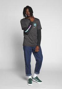 Volcom - GROWN HTH SS - Camiseta estampada - anthracite - 1