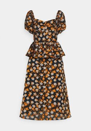 ISOBELLE - Robe d'été - mandarin orange