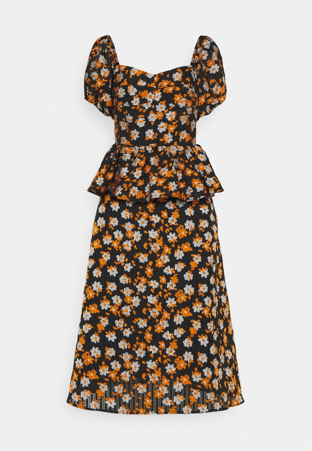ISOBELLE - Denní šaty - mandarin orange