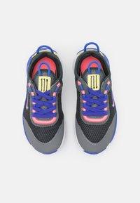 Nike Sportswear - RT LIVE UNISEX - Sneakers basse - dark smoke grey/sunset pulse/smoke grey/sapphire - 3