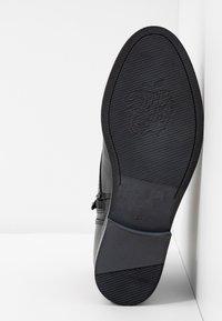 Apple of Eden - DEMI - Kotníková obuv - black - 6