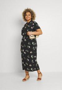 Vero Moda Curve - VMSIMPLY EASY LONG - Košilové šaty - black - 1