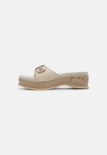 SOMMER - Pantofle na podpatku - oystergrey