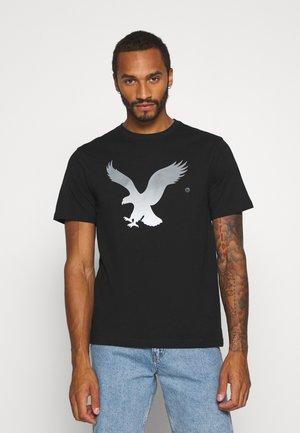 SET IN TEE - T-shirt print - black magic