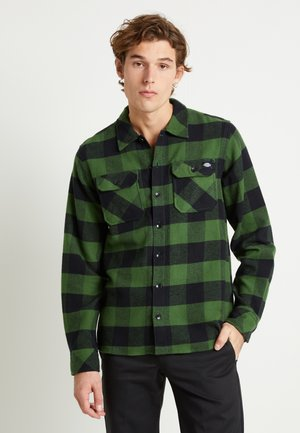 SACRAMENTO - Camicia - pine green