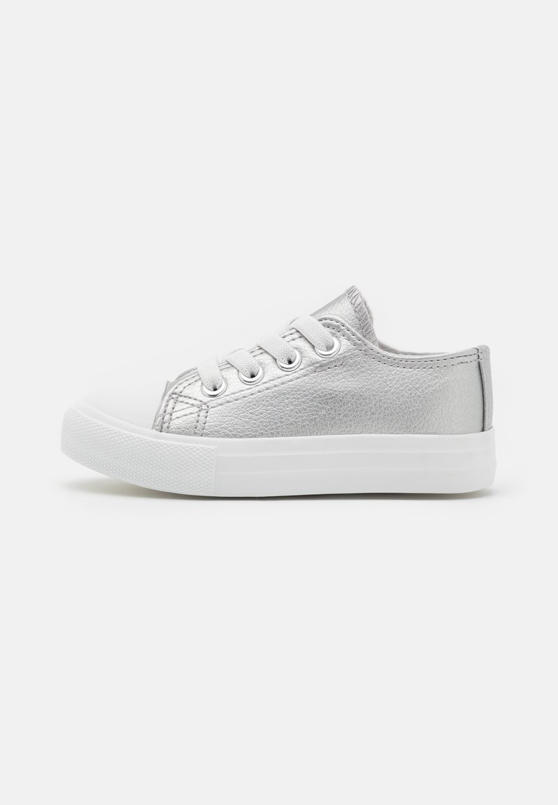 Cotton On - CLASSIC LACE UP TRAINER - Tenisky - silver metallic