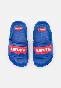 Levi's® - POOL MINI UNISEX - Sandalen - royal blue - 3
