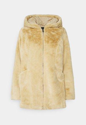 ONLMALOU - Classic coat - pure