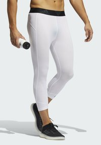adidas Performance - PRIMEGREEN TECHFIT WORKOUT COMPRESSION CAPRI 3/4 LEGGINGS - 3/4 sports trousers - white - 2