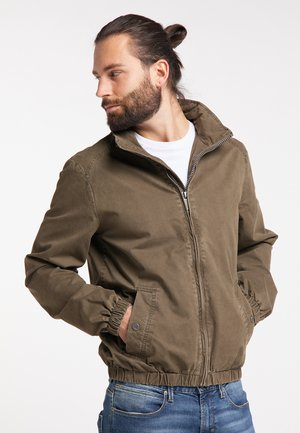 Outdoor jacket - military olive