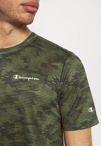 Champion - CREWNECK  - Print T-shirt - khaki - 3