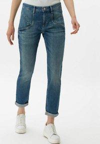 BRAX - STYLE MERRIT - Slim fit jeans - used light blue - 0