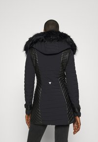 Guess - NEW OXANA JACKET - Abrigo de invierno - jet black - 2