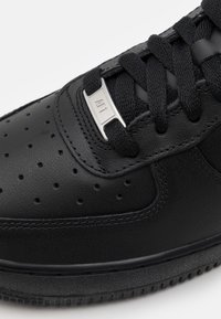 Nike Sportswear - AIR FORCE 1 '07  - Zapatillas - black - 5