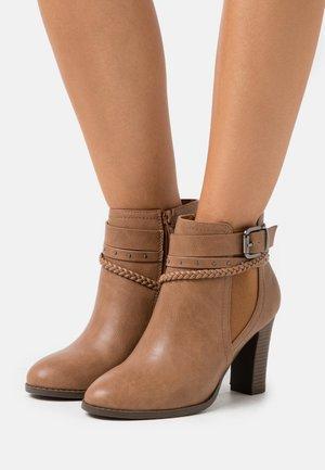 ABINGDON - Ankle boots - tan