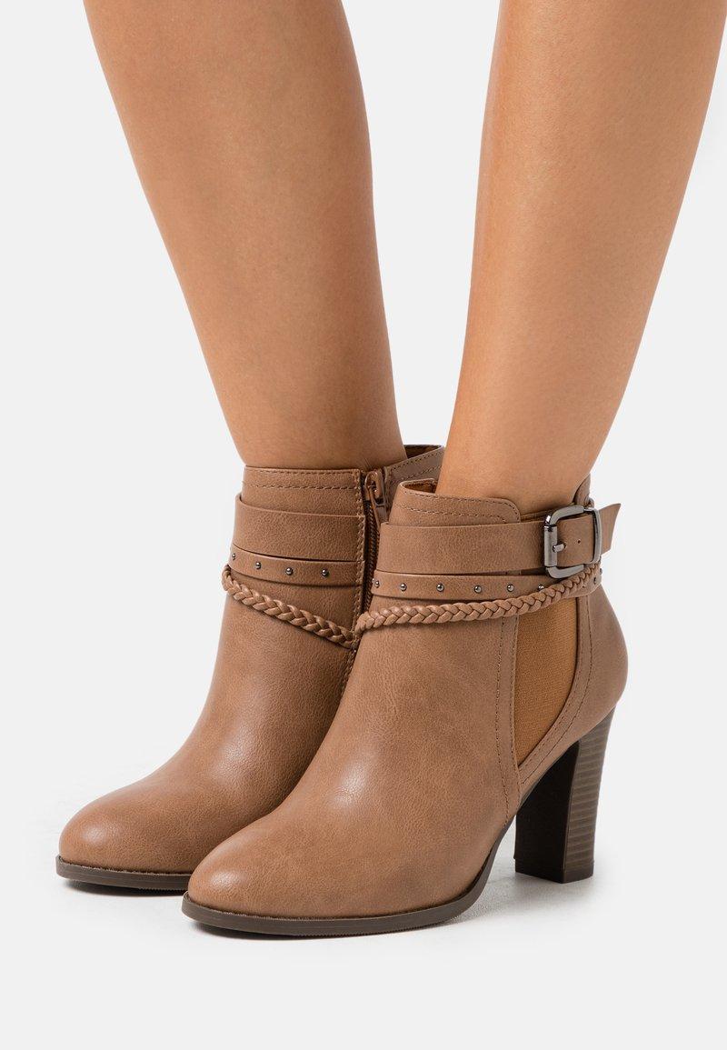 Wallis - ABINGDON - Boots à talons - tan
