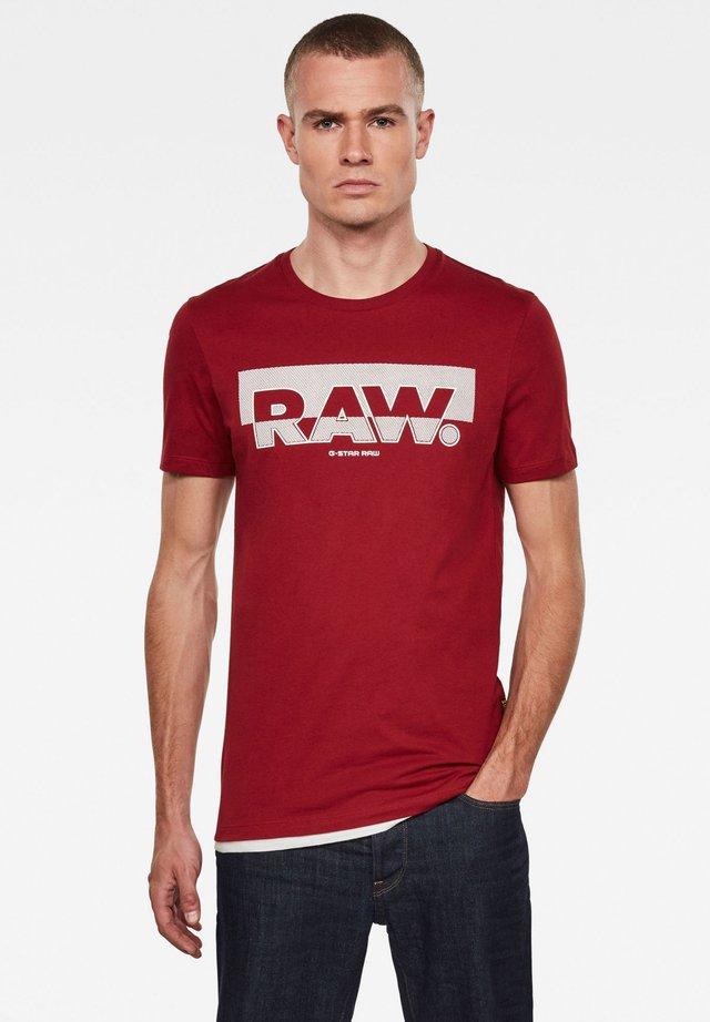 RAW. GRAPHIC SLIM ROUND SHORT SLEEVE - Print T-shirt - dry red