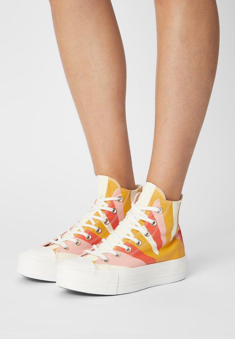 Converse - CHUCK TAYLOR ALL STAR LIFT - High-top trainers - sunflower gold/bright poppy/pink quartz
