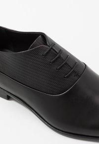 HUGO - APPEAL - Eleganta snörskor - black - 5