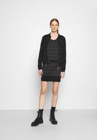Ragwear - ALEXA ZIG ZAG - Denní šaty - black - 1