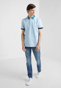 J.CREW - Slim fit jeans - tinted medium indigo wash - 1