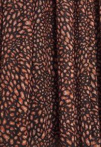 Rich & Royal - DRESS  - Denní šaty - toffee - 2