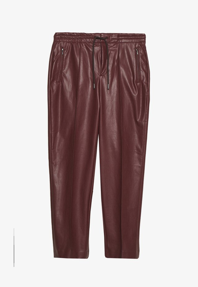 ACCESS - Trousers - rot