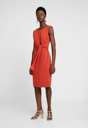 DRESS SHORT - Fodralklänning - dark orange