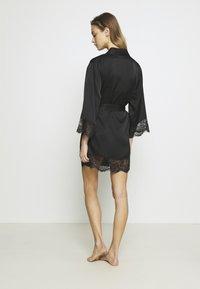 Etam - DESHABILLE - Dressing gown - noir - 2