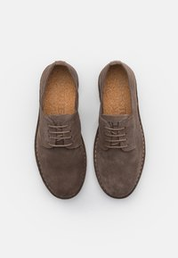 Selected Homme - SLHRIGA DERBY - Stringate - almondine - 3
