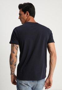 Alpha Industries - Print T-shirt - rep blue - 2